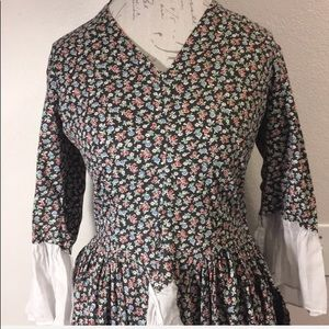 Multicolored Floral Ruffled Tunic Size L